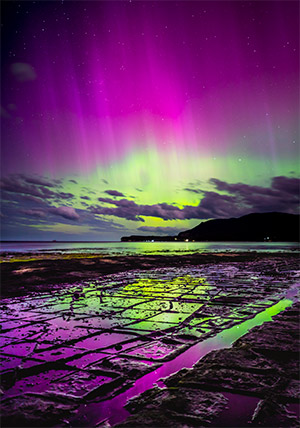 Aurora over the Tessalated pavement